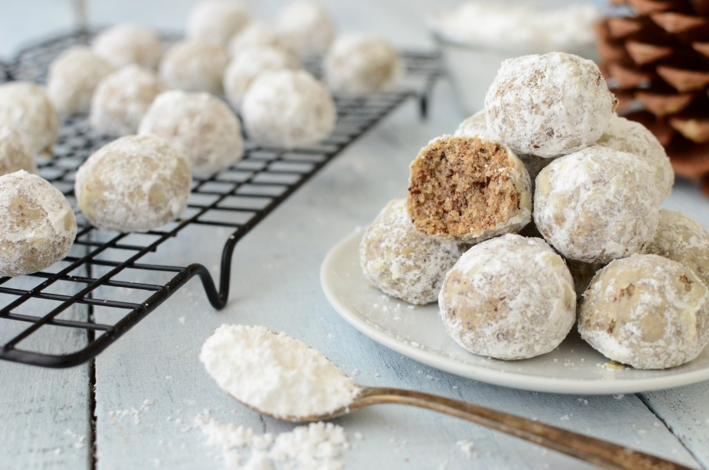 Christmas Pecan Snowballs